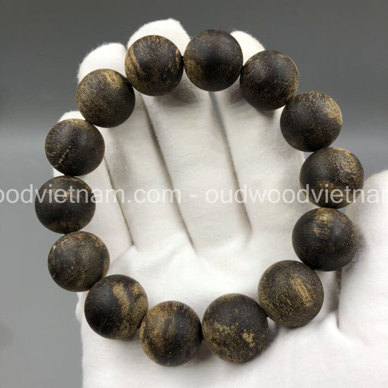Sale for Begin Open Shop VietNam Agarwood bracelets