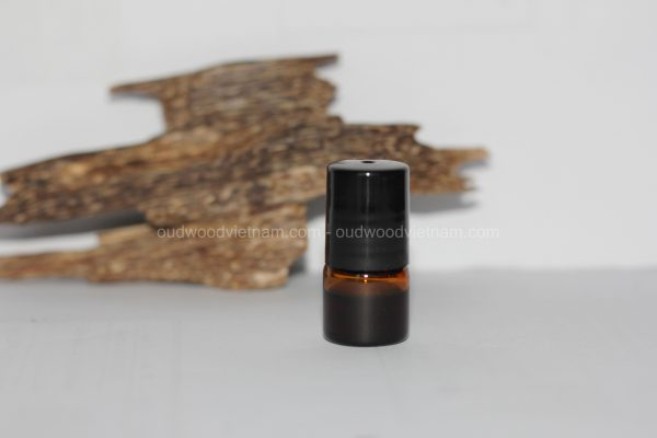 Oud Oil | Oudh Oil | Agarwood Oil | Premium Quality | 100% Natural Undiluted Fragrance Essential Oil | Long Lasting Aroma Oil | Grade A+| 1ML